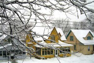 A Checklist for Prepping Your Home Exterior for Winter