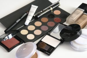 5 Ways to Declutter Your Beauty Sample Stash